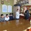 ✿苗木小学校より、赤い羽根共同募金をいただきました✿