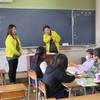 苗木小学校4年生が手話体験・点字体験